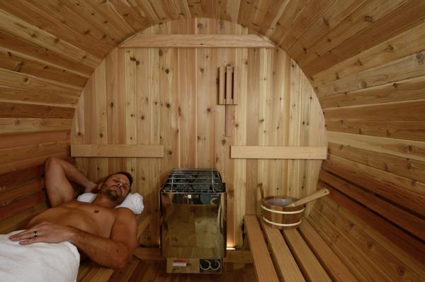 Fass Sauna traditionell 4 Personen Almost Heaven Pinnacle_innen Mann